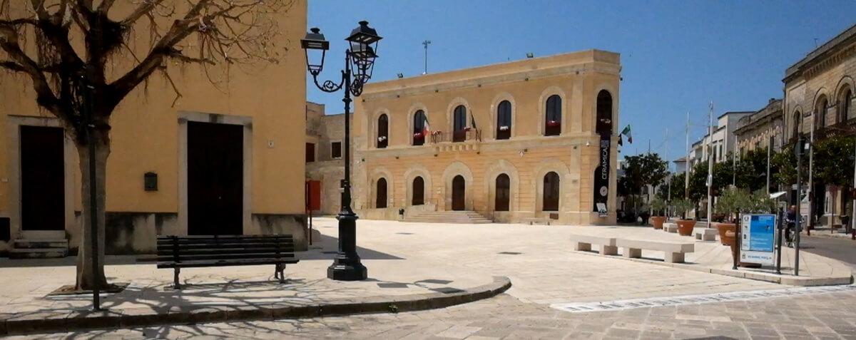 Cutrofiano—Piazza-Municipio-2—Paolo-Laku
