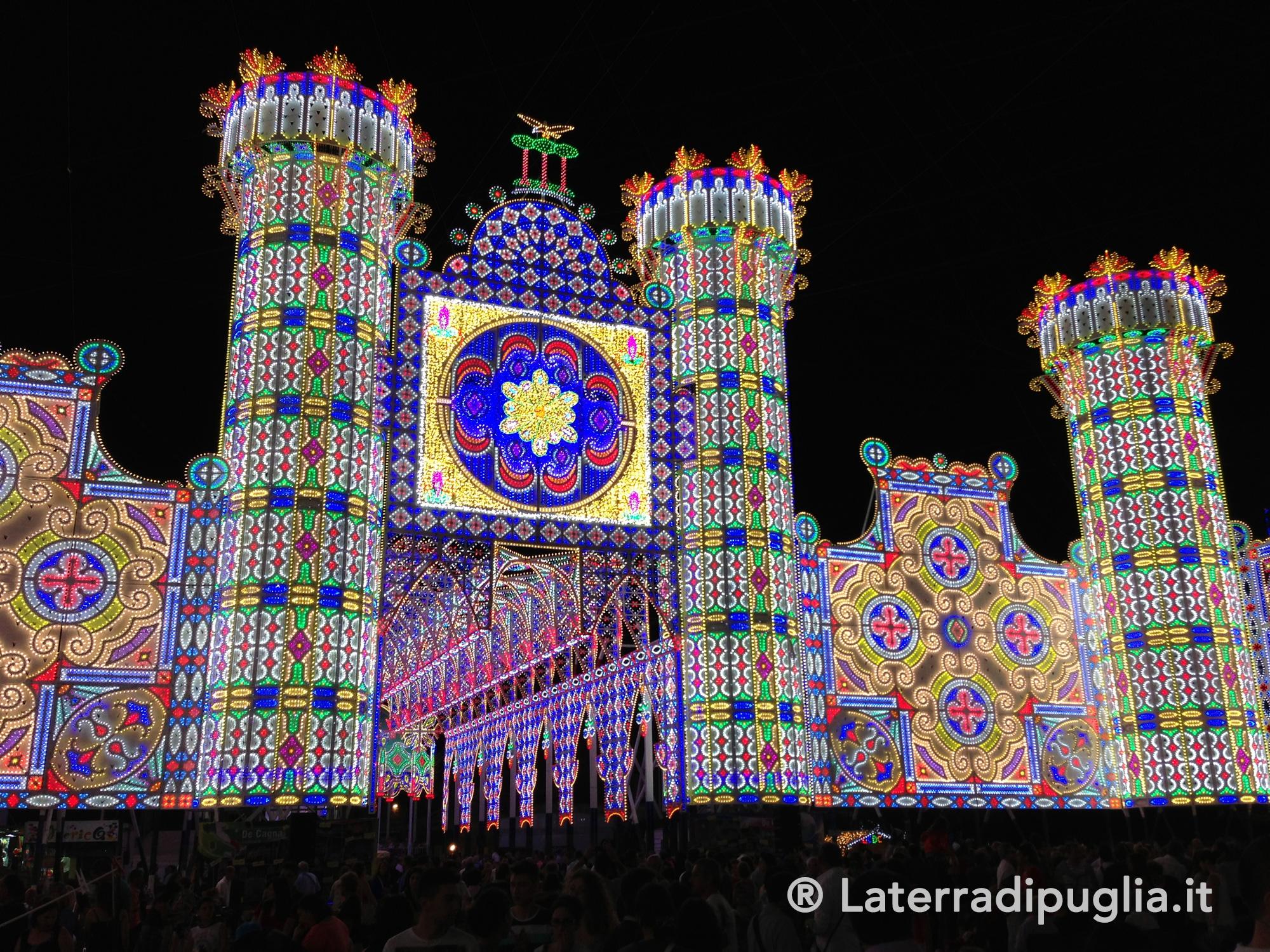 Luminarie per i festeggiamenti  in Puglia