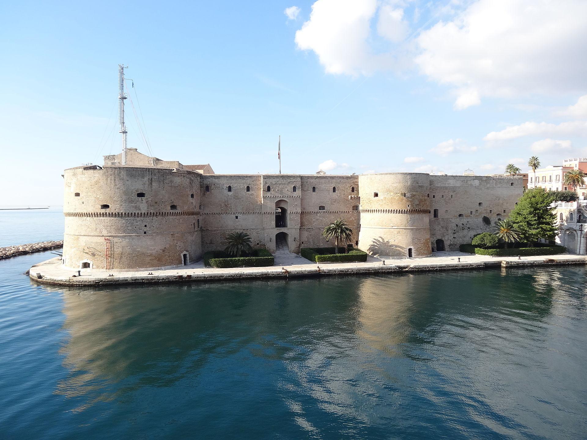 storia di taranto, il castello aragonese, Taranto – Laterradipuglia.it