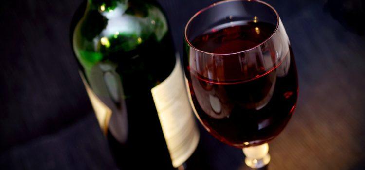 I vini pugliesi premiati con i Cinque Grappoli