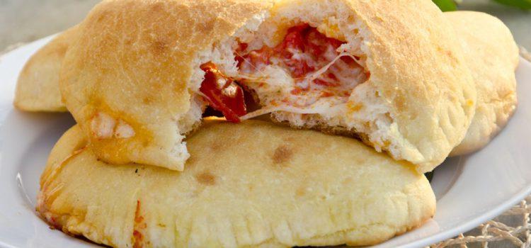Sapori di Puglia: i panzerotti mozzarella e pomodoro