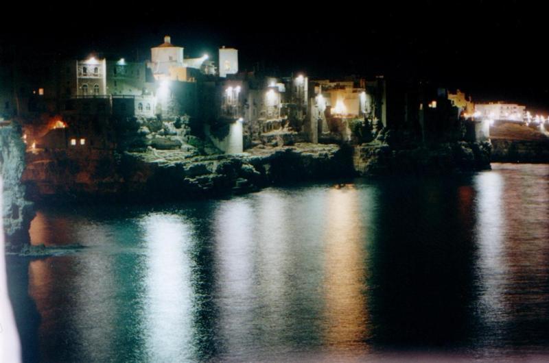Nuit à Polignano