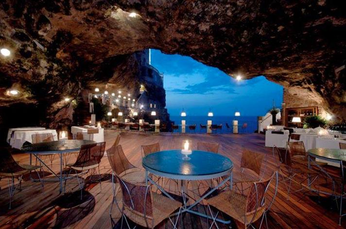 Ristorante nella Grotta a Polignano