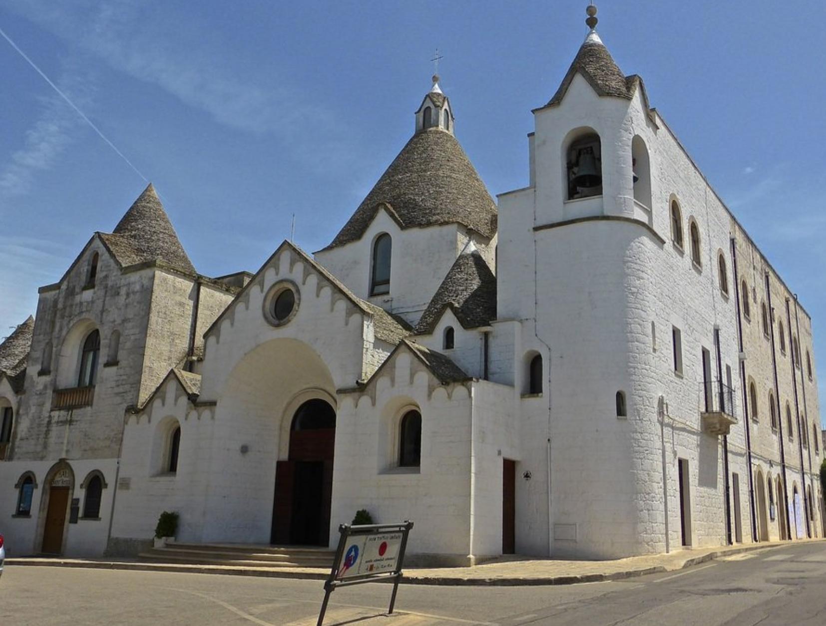 chiesa s.antonio, alberobello – LaTerraDiPuglia.it