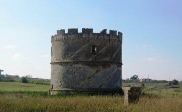Le torri colombaie del Salento e l'ipogeo di torre Pinta