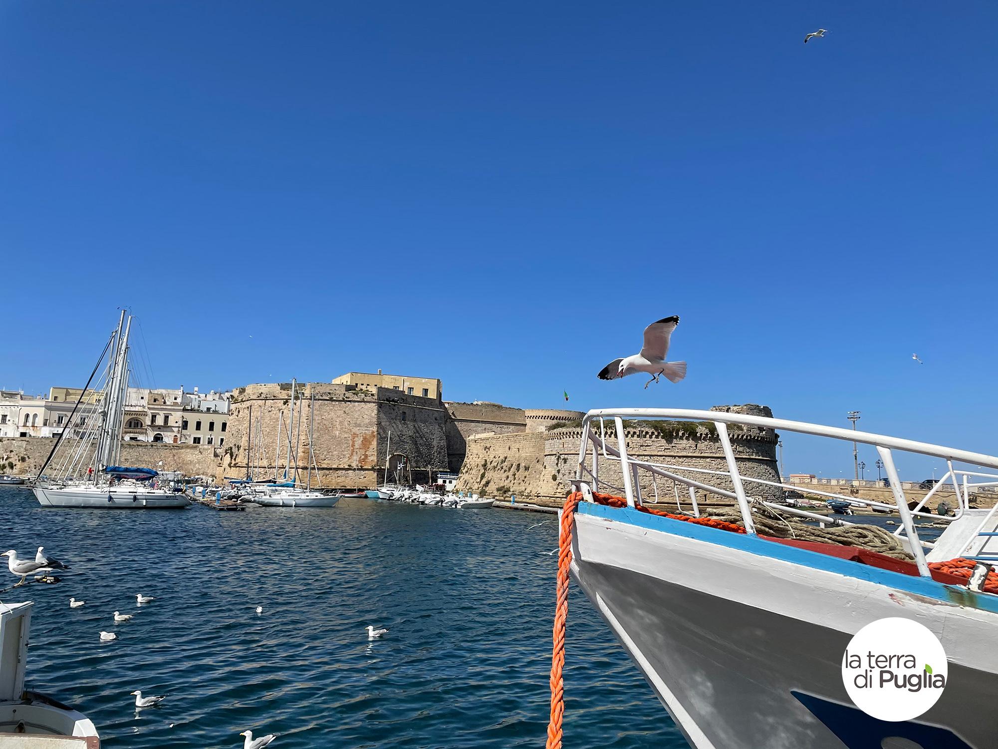 barca-porto-mare-gallipoli-salento