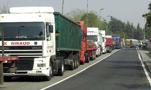 Il blocco degli autotrasportatori raggiunge anche la Puglia