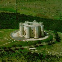 castel del monte - Laterradipuglia.it