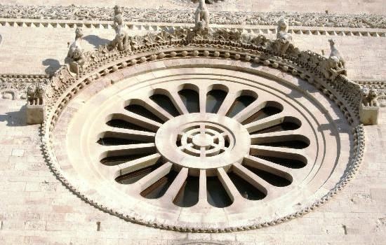 La magia del solstizio nella Cattedrale di Bari Vecchia