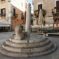 la colonna della vergogna di Bari - LaterradiPuglia.it