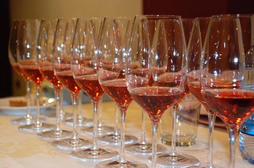 In Puglia il vino incontra la comicità con CABARNET
