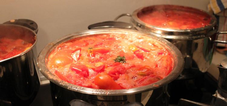 La gastronomia tradizionale pugliese: la conserva di pomodori