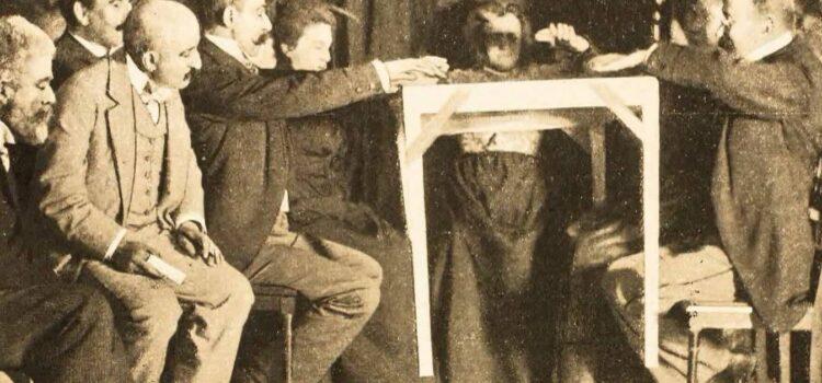 Chi era Eusapia Palladino, la medium pugliese più famosa al mondo