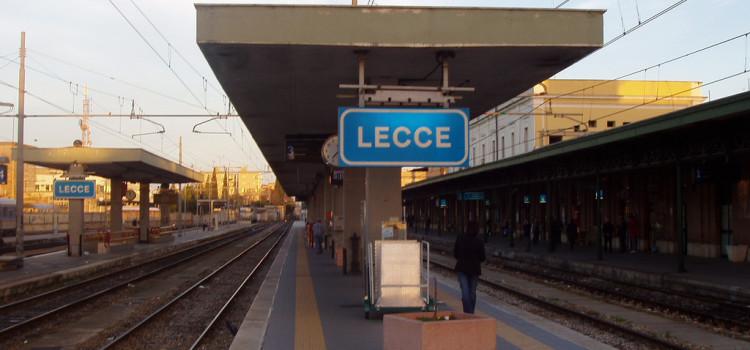 La Puglia si mobilita tra la piazza e Roma per il Frecciarossa