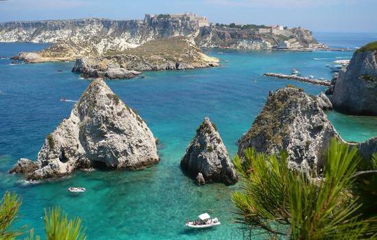 La Puglia promuove Tremiti e Gargano