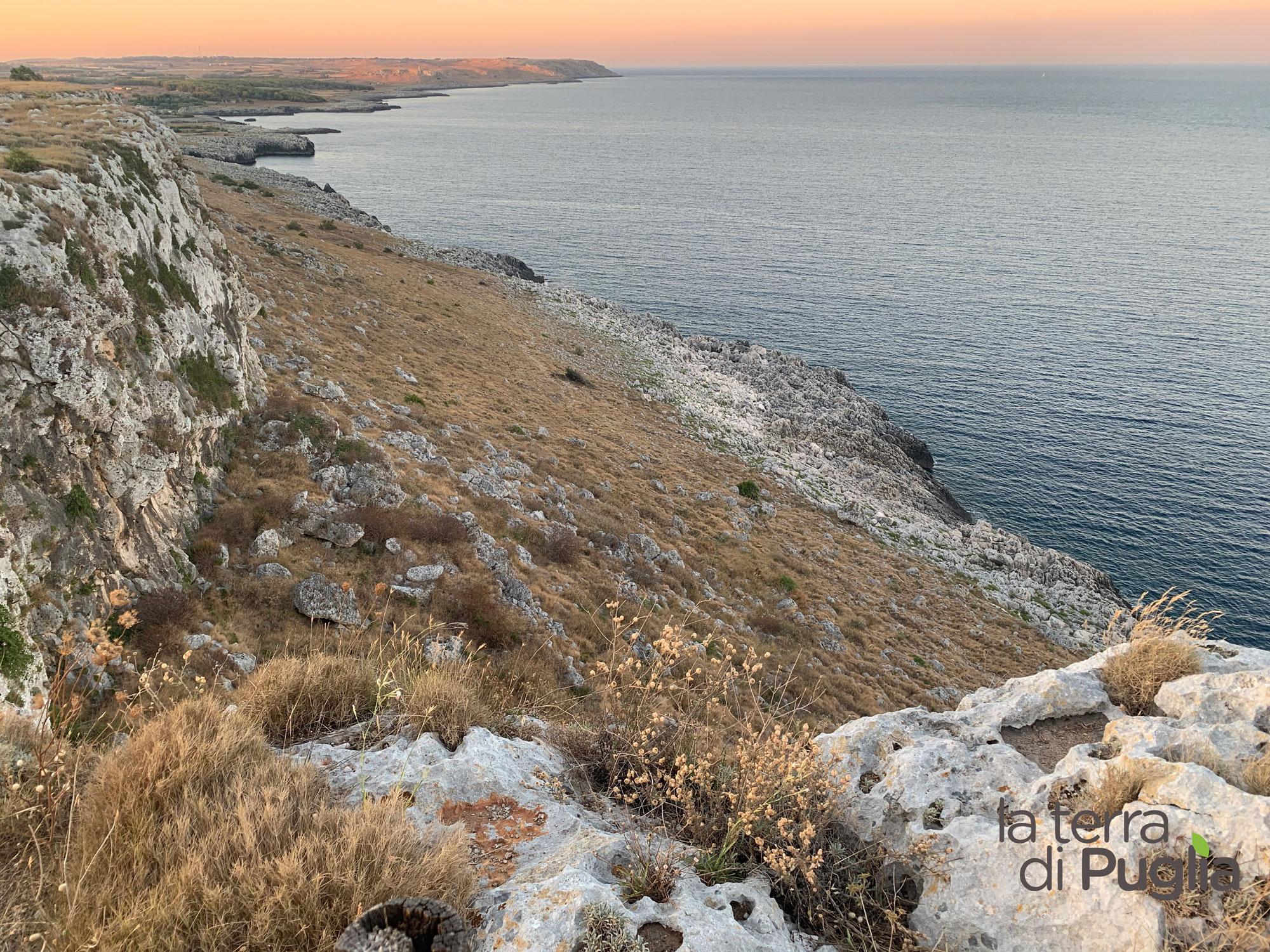 mare-tramonto-salento-costa-torre-minervino