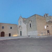 monastero, chiesa, croce di colonna - Trani - Laterradipuglia.it
