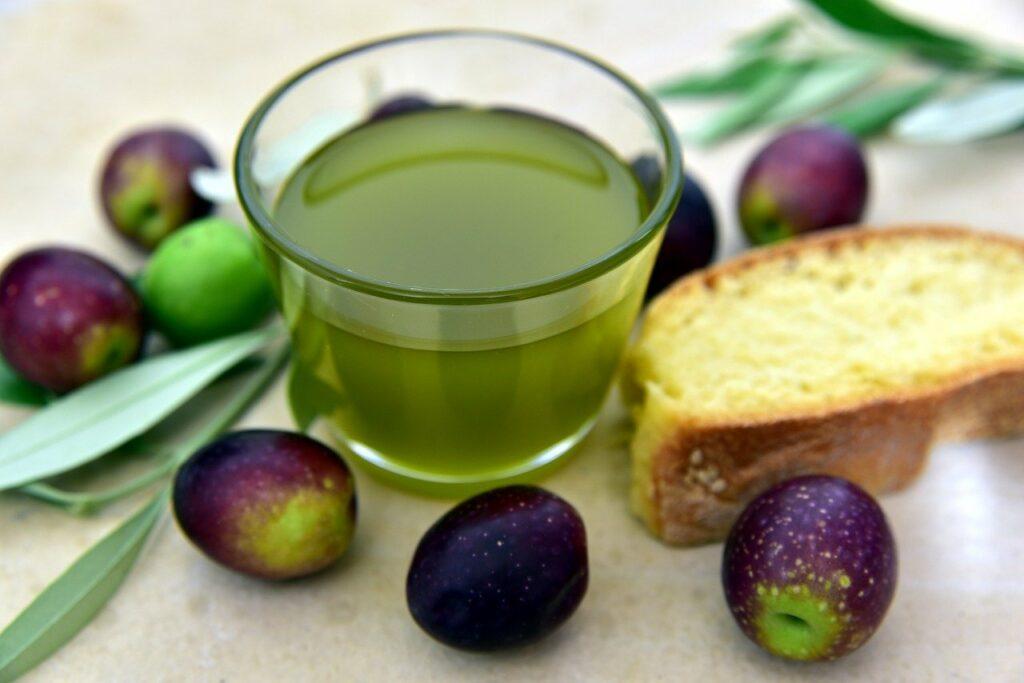olio pugliese, come riconoscere un olio di buona qualità - Laterradipuglia