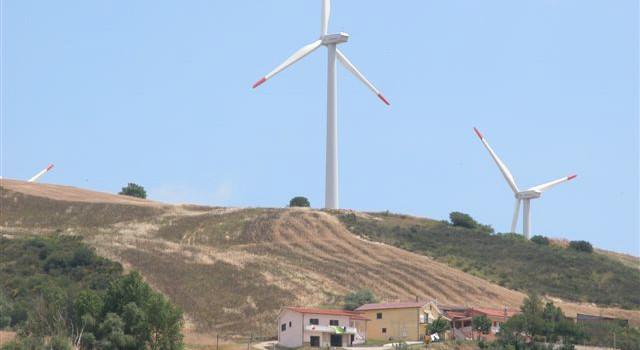 Corigliano non vuole il parco eolico