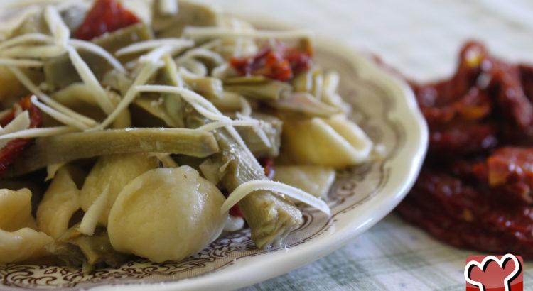 Ricetta della pasta con pomodori secchi e carciofi