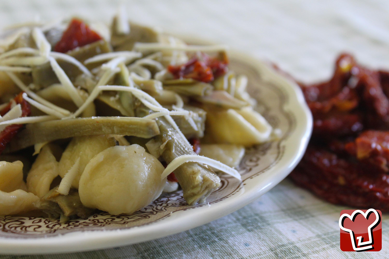 pasta con pomodori secchi e carciofi – LaTerraDiPuglia