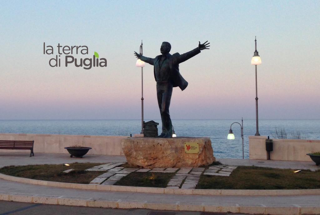 polignano-statua