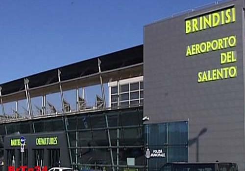 Puglia lastminute, aeroporto Brindisi in crescita