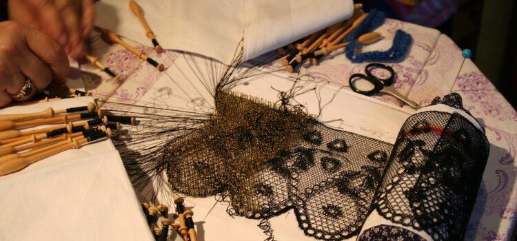 Dior riporta alla ribalta il barocco pugliese e l'arte del tombolo