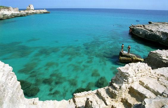 spiagge-salento-roca-vecchia-grotta-della-poesia