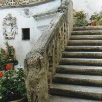 la statua del cavaliere senza testa - La Terra di Puglia
