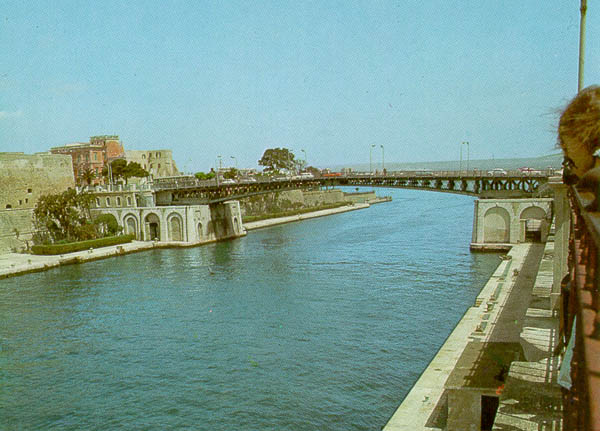 Ponte di San Francesco di Paola a Taranto