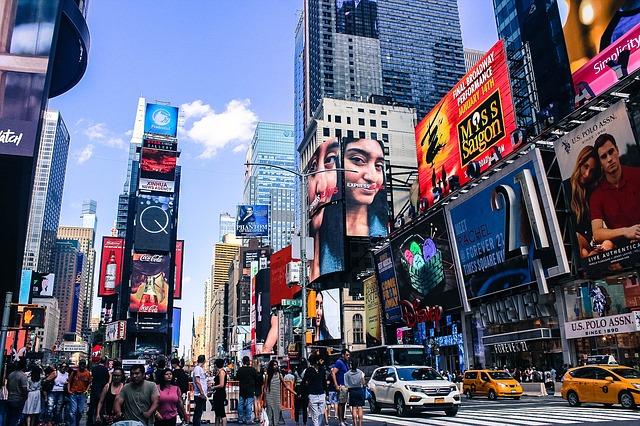 times-square-new-york-video-promozionale-puglia