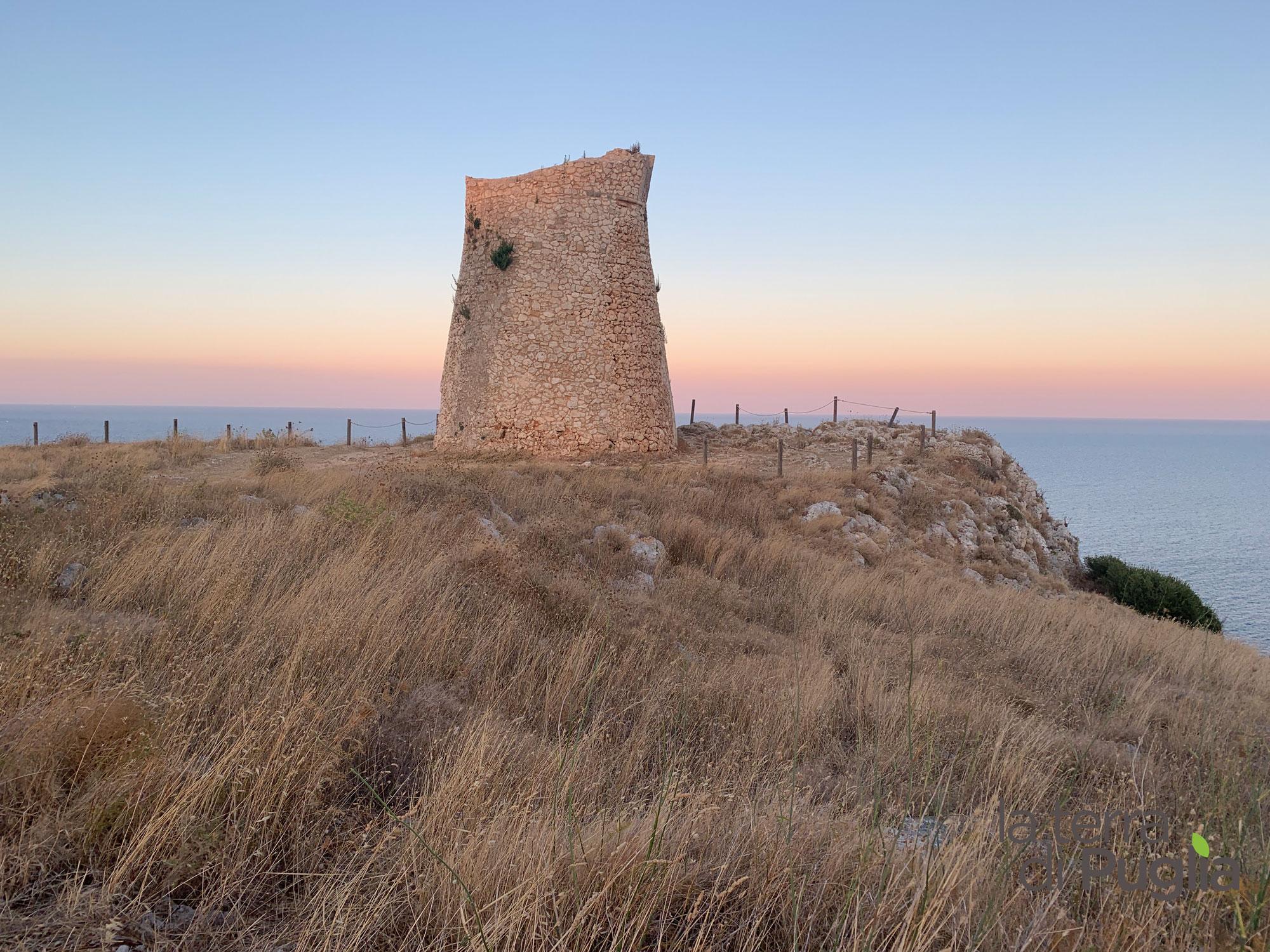 torre-minervino-tramonto-costa-salento