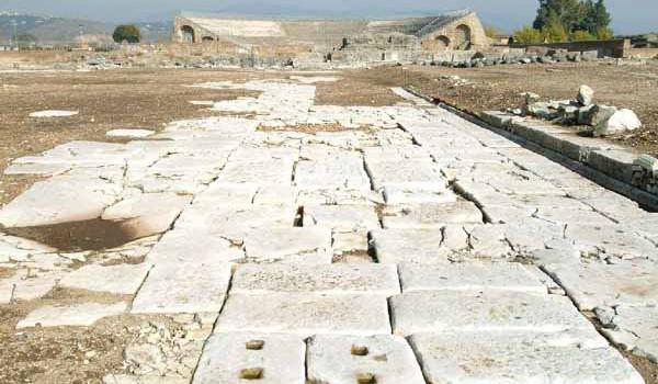 A Taranto compaiono i resti della Via Appia