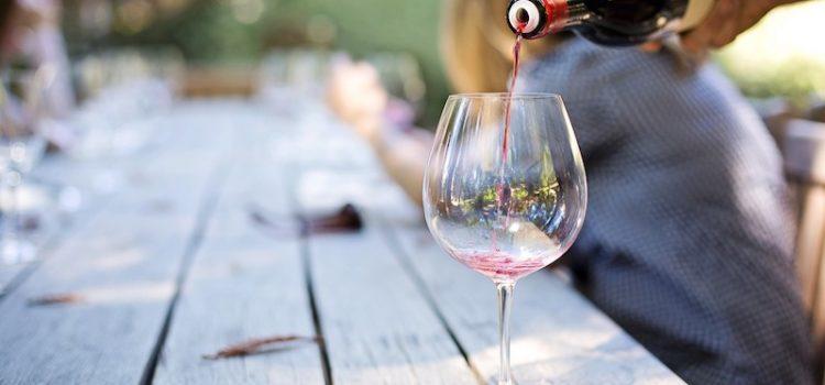 5 idee regalo perfette per gli amanti del vino